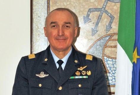 Vola solo chi osa farlo, con il Generale D.A. Roberto Cattaneo! @ Hotel Garden